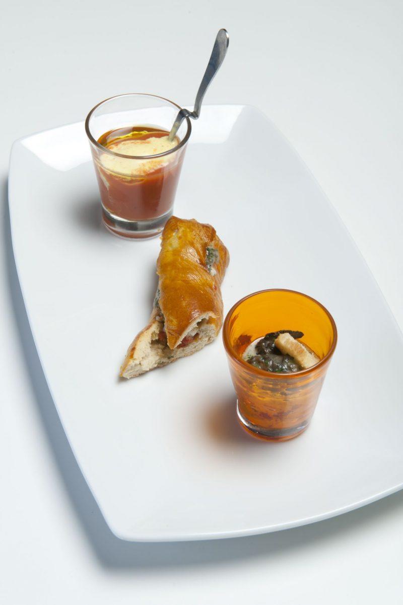 Baguette di lumache alle erbe aromatiche, olive taggiasche, pomodoro dolce e mozzarella di bufala