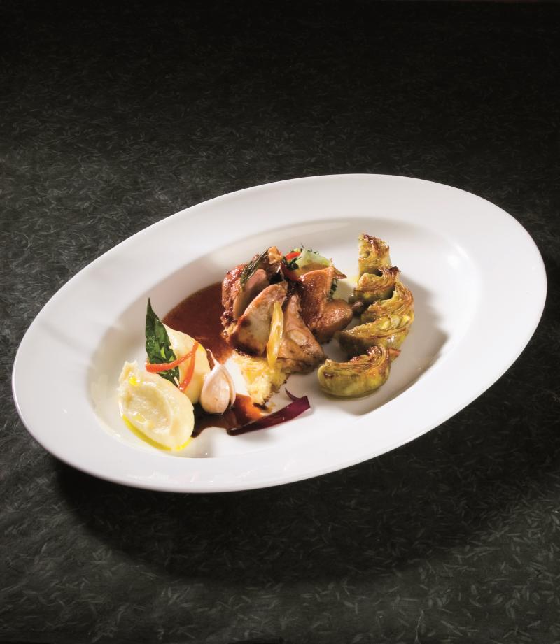 Cuore di carciofo bretone e pernice lardellata cotti allo spiedo