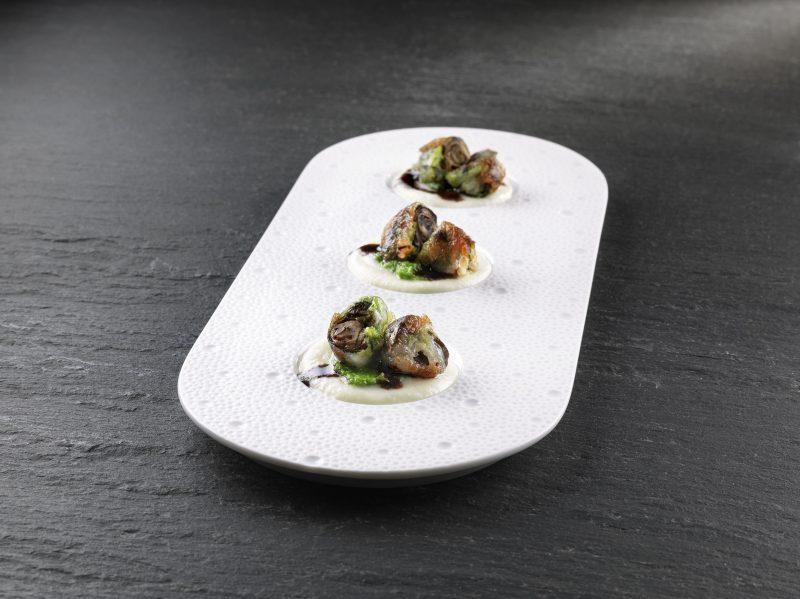 Lumache lardellate croccanti con crema di cavolfiori e porri