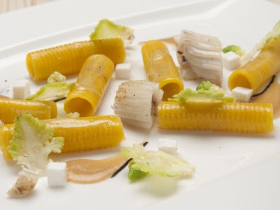 Maccheroncino e seppie, crema di freselle e broccolo romano