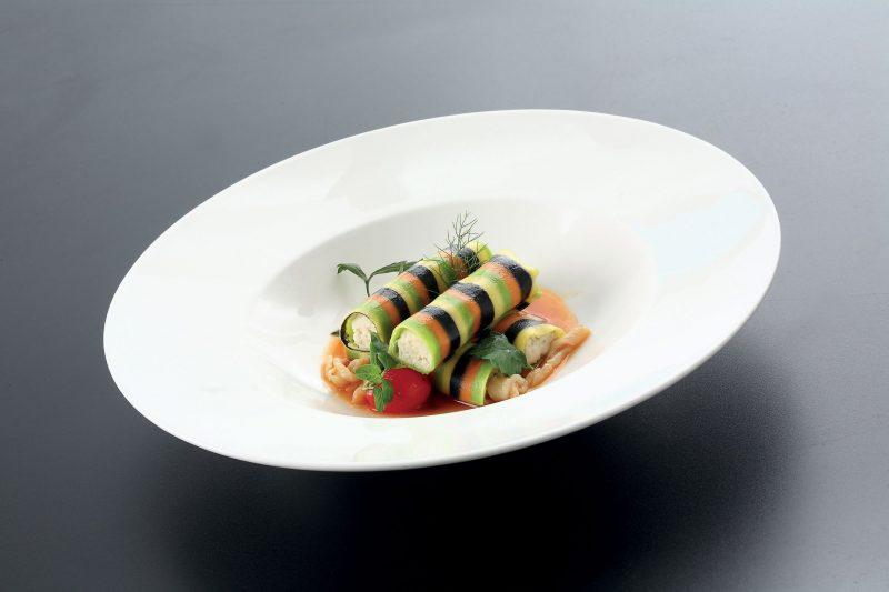 Piccoli cannelloni di rombo con guazzetto di pesce e trippa di baccalà