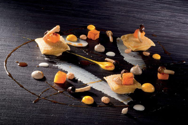 Tortelli di zucca, amaretti, castelmagno, pioppini