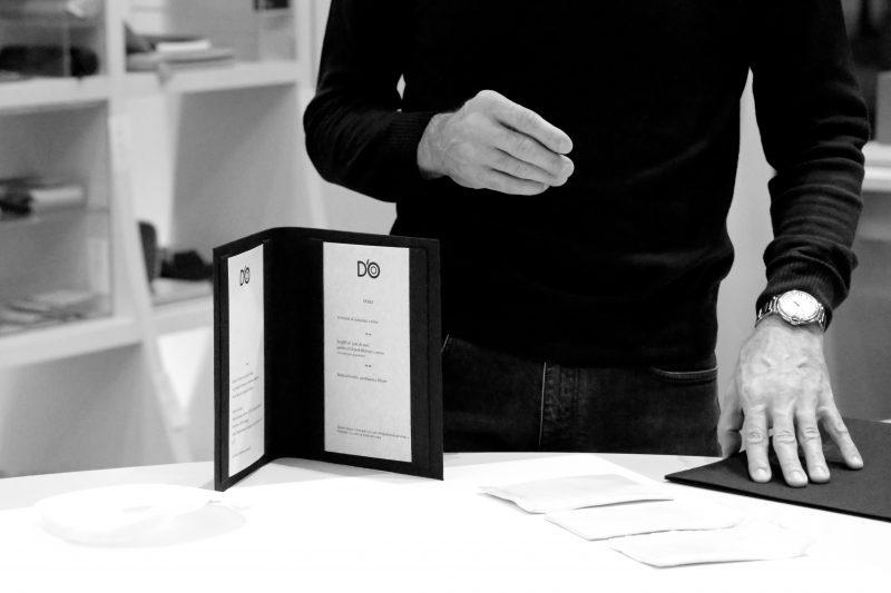 Carta di Carta: Davide Oldani realizza con Fabriano, la nuova carta del ristorante.