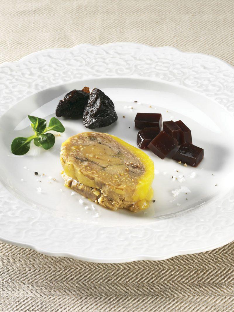 Foie gras fresco di oca cotto nel suo grasso