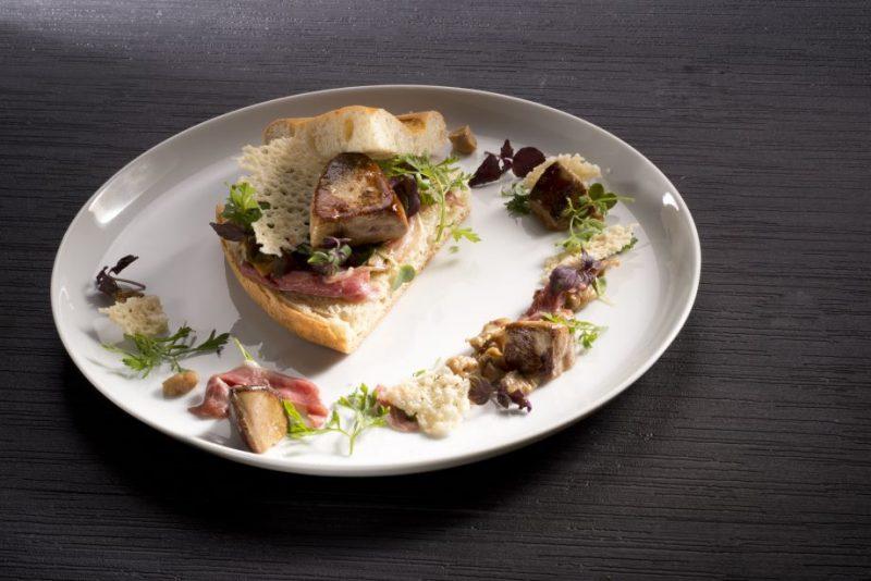 Foie gras in focaccia pan brioche di Simone Padoan