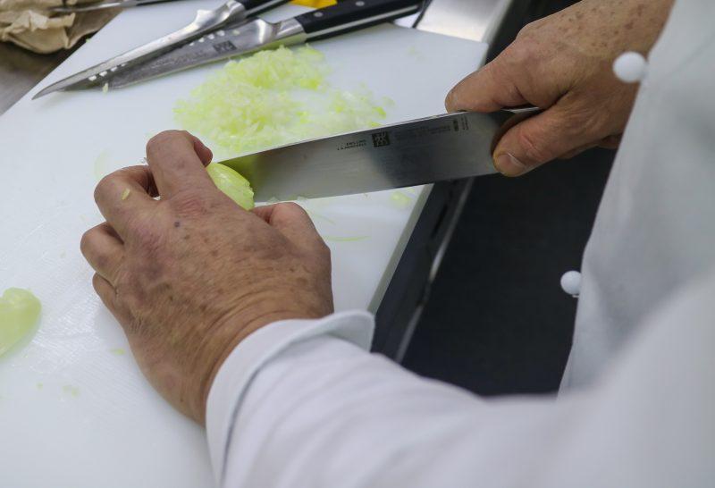 Dal taglio alla cottura, la scelta dei migliori utensili ...