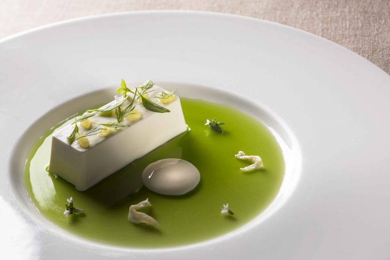 Panna cotta al basilico-lime
