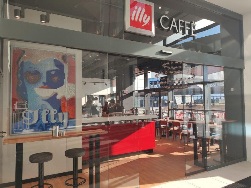 illy Caffè Roma, ora c'è anche Maximo