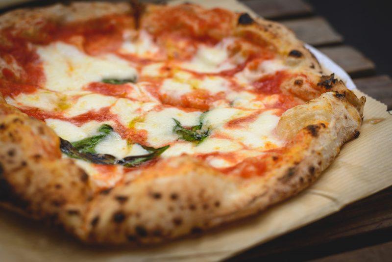 Tutti i segreti della vera pizza napoletana