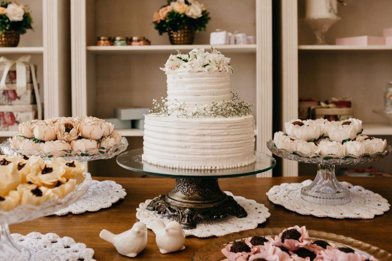 Torte decorate: segreti, tendenze e alternative vegan